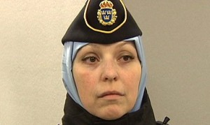 muslimsk_polis_slöja