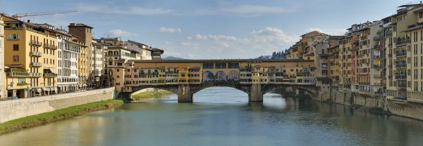 1280px-Panorama_of_the_Ponte_Vecchio_in_Florence,_Italy