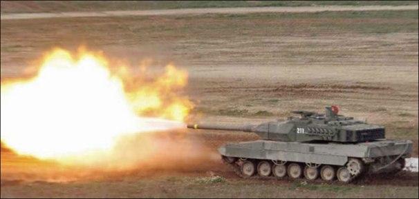 Leopard-2E-firing-01