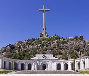300px-SPA-2014-San_Lorenzo_de_El_Escorial-Valley_of_the_Fallen_(Valle_de_los_Caídos)