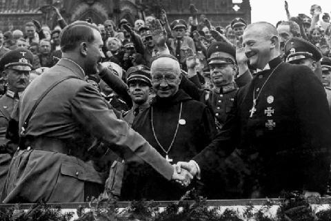 Hitler_Kirche_1934__429794g1