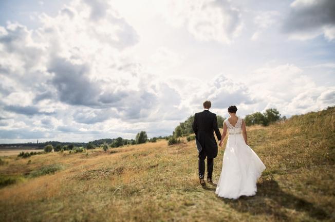Bröllop porträtt bröllopsfotograf stockholm Uppsala Gamla Uppsala Uppsala Högar