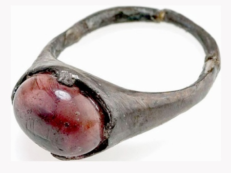 This ring, from about the 9th century, was discovered in a Viking grave in Birka, in what is now Sweden. It bears an Islamic inscription, suggesting a trade link between Muslims and Vikings. Illustrates ISLAM-VIKINGS (category i), by Adam Taylor (c) 2015, The Washington Post. Moved Wednesday, March 18, 2015. (MUST CREDIT: Statens historiska museum/Christer Åhlin.)