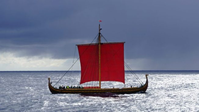 dragon-harald-fairhair-viking-ship