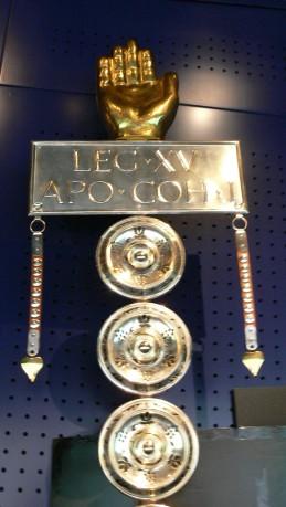 Museum_Petronell_-_Signum_Legio_XV