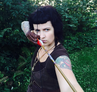 archery-bow-traditional-arrow-jennifer-snook-american-heathens-the-politics-of-identity-in-a-pgan-religious-movement-photo-photograph-skadi-portrait-interview-norse-mythology-asatru-theodism