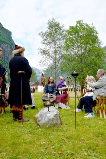 viking-naming-ceremony-gudvangen-2