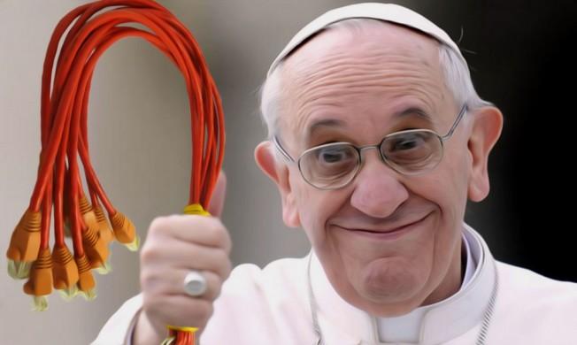 papst-franziskus-mit-peitsche-kinder-schlagen-erlaubt-neue-alte-erziehung-skandal-zuechtigung-dogma-gewaltaetige-erziehung-vatikan-doktrin-qpress-1024x613