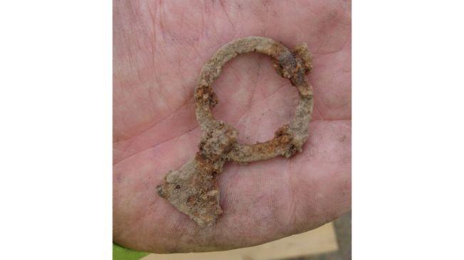 arkeologiskafyndforbifart2-jpg